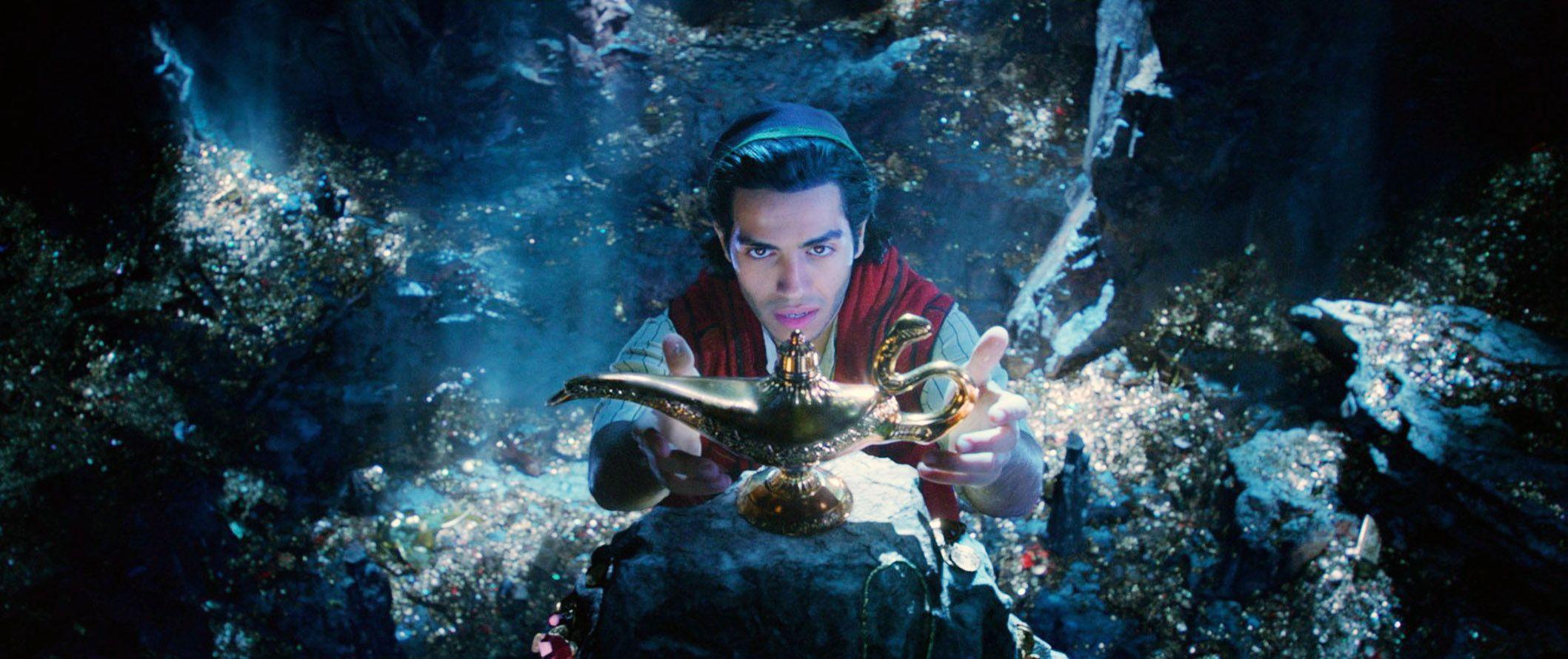 "Mena Massoud in ""Aladdin (2019)."""