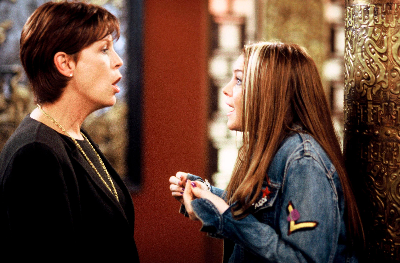 """Jamie Lee Curtis, Lindsay Lohan in """"Freaky Friday."""""""