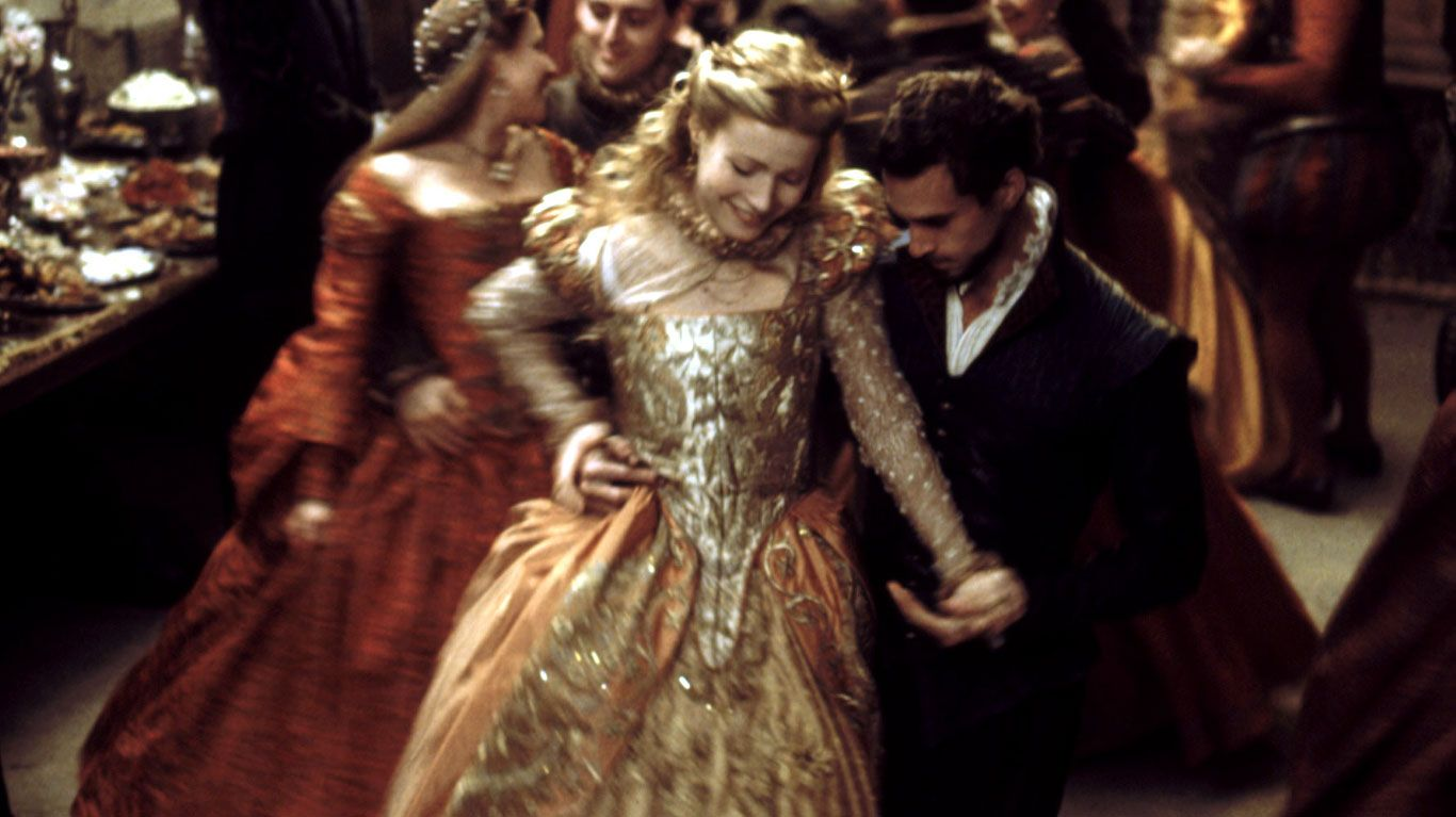 """Gwyneth Paltrow and Joseph Fiennes in """"Shakespeare in Love."""""""