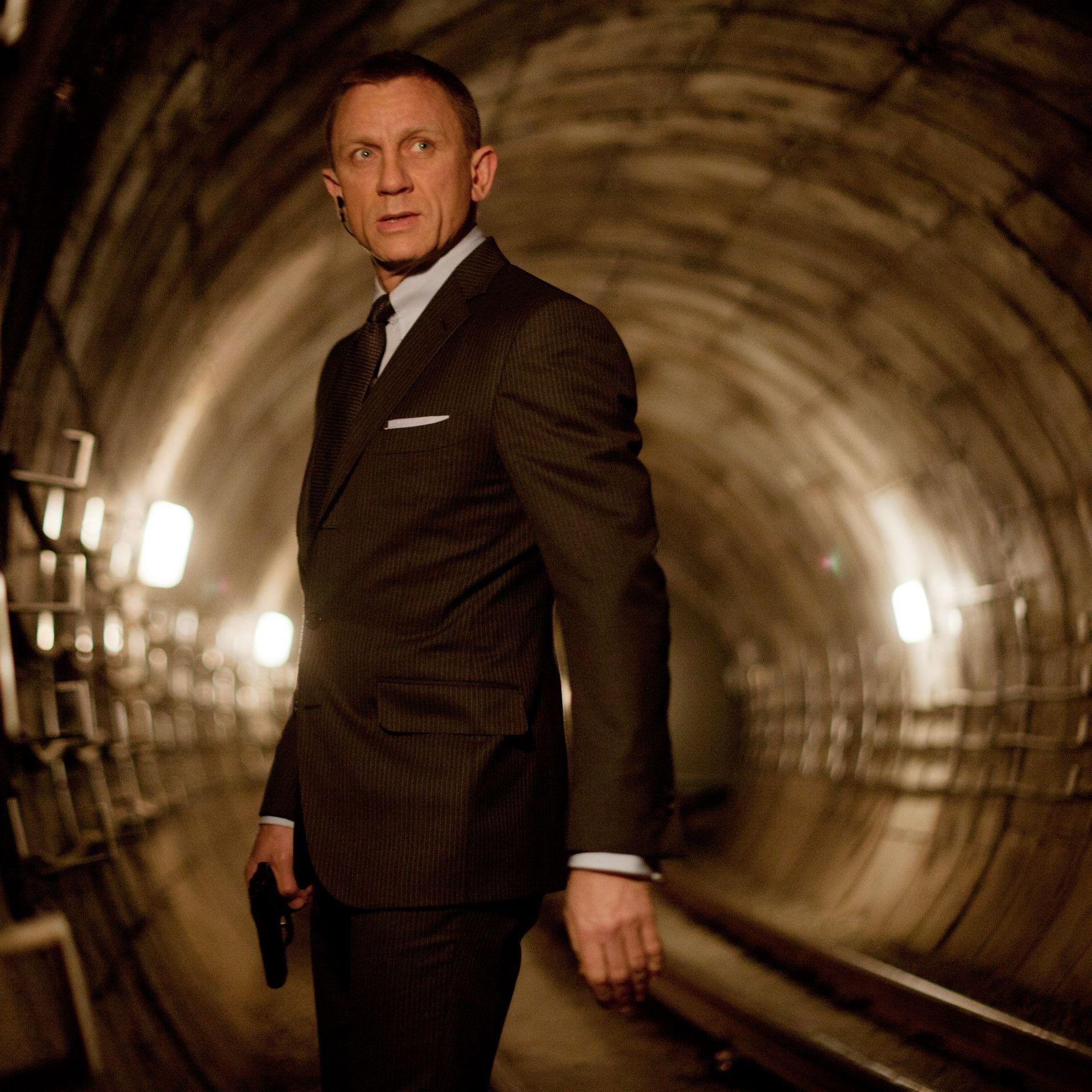 Best Bond Fashions