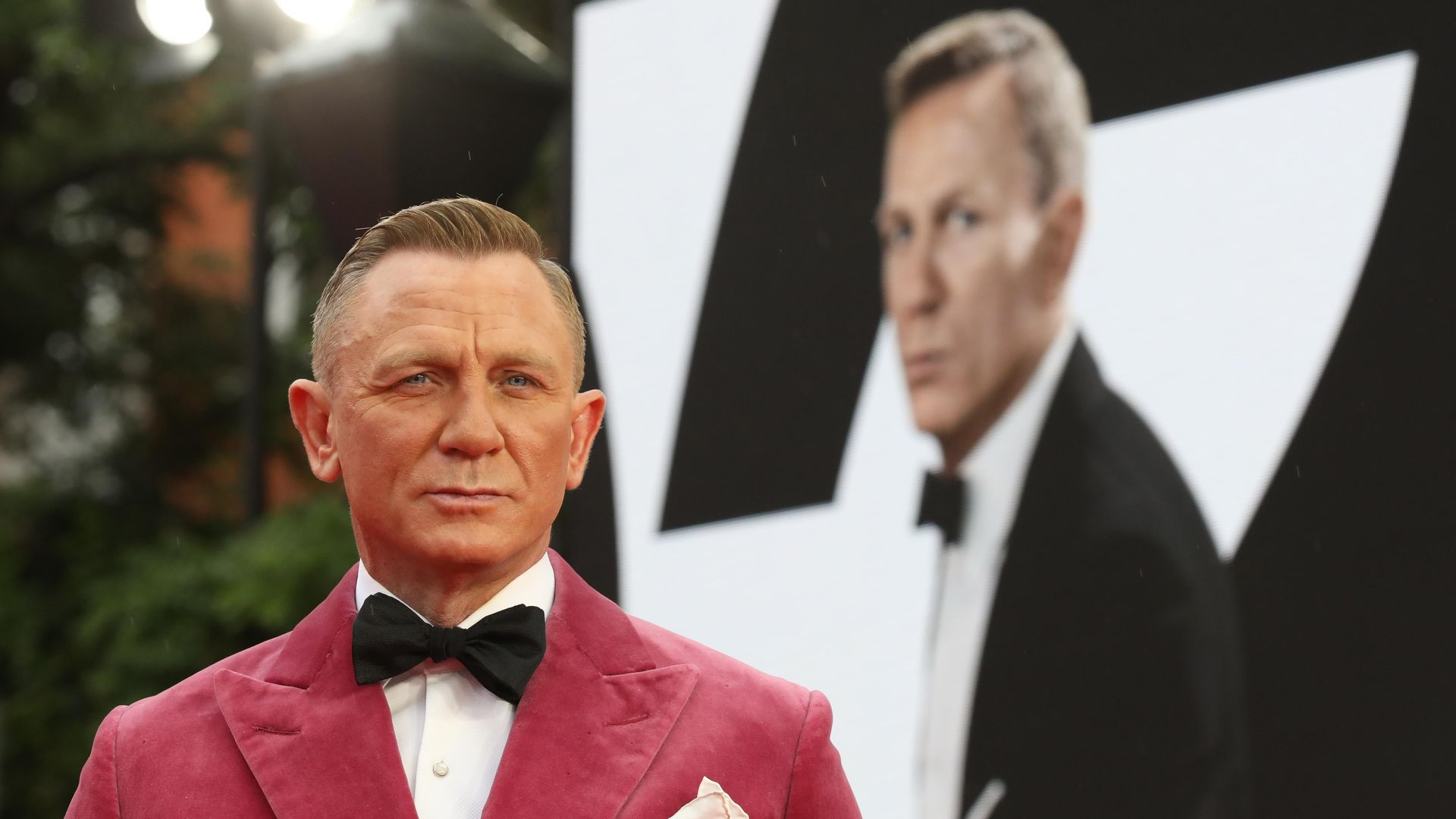 """Daniel Craig attends the World Premiere of """"NO TIME TO DIE"""""""
