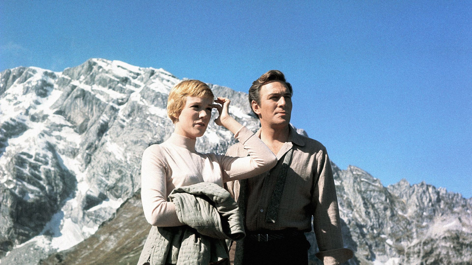 THE SOUND OF MUSIC, from left: Julie Andrews, Christopher Plummer, between scenes, on set, 1965.