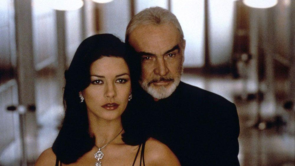 ENTRAPMENT, Catherine Zeta-Jones, Sean Connery, 1999.