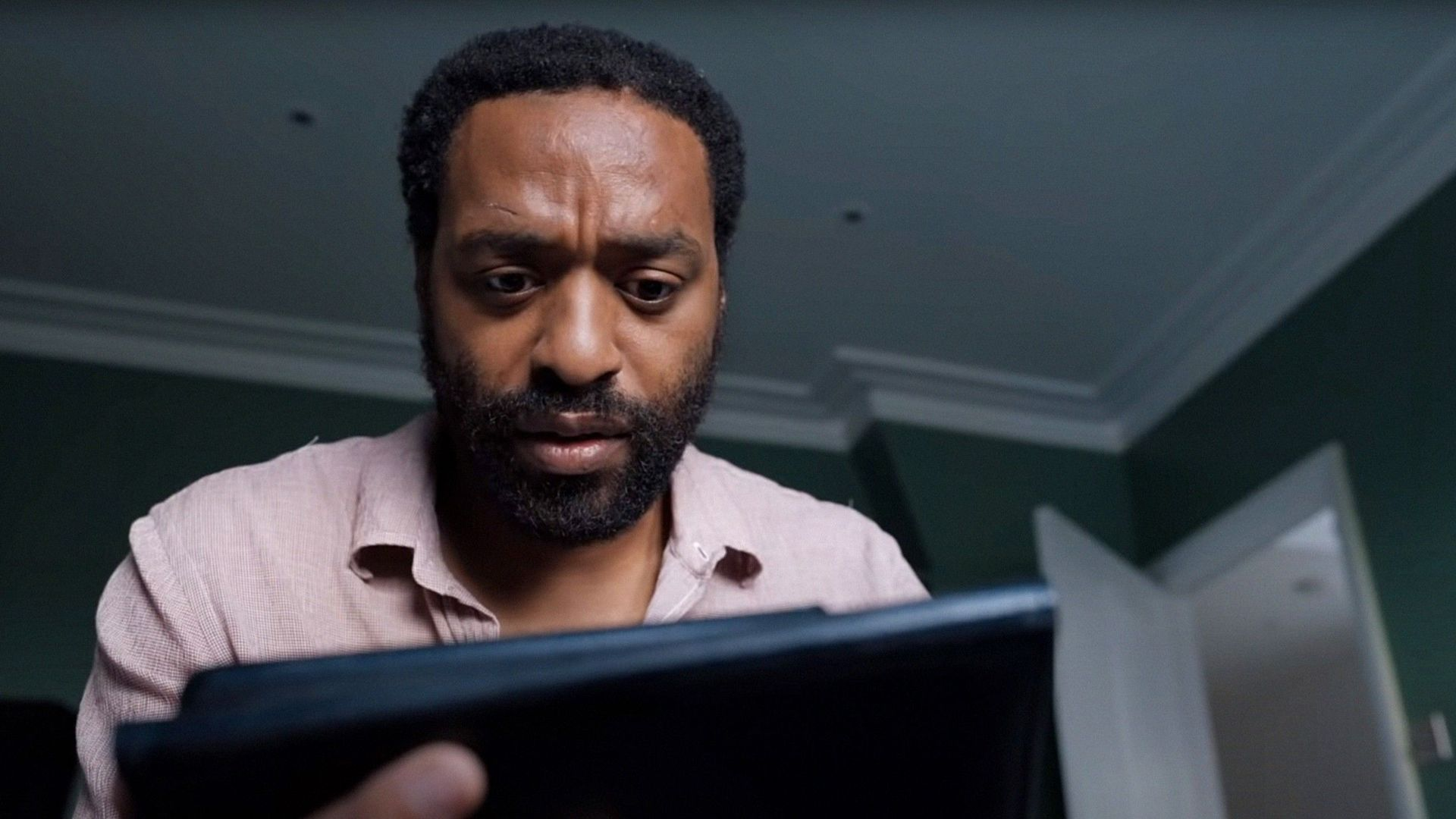 """Chiwetel Ejiofor in """"Locked Down."""""""