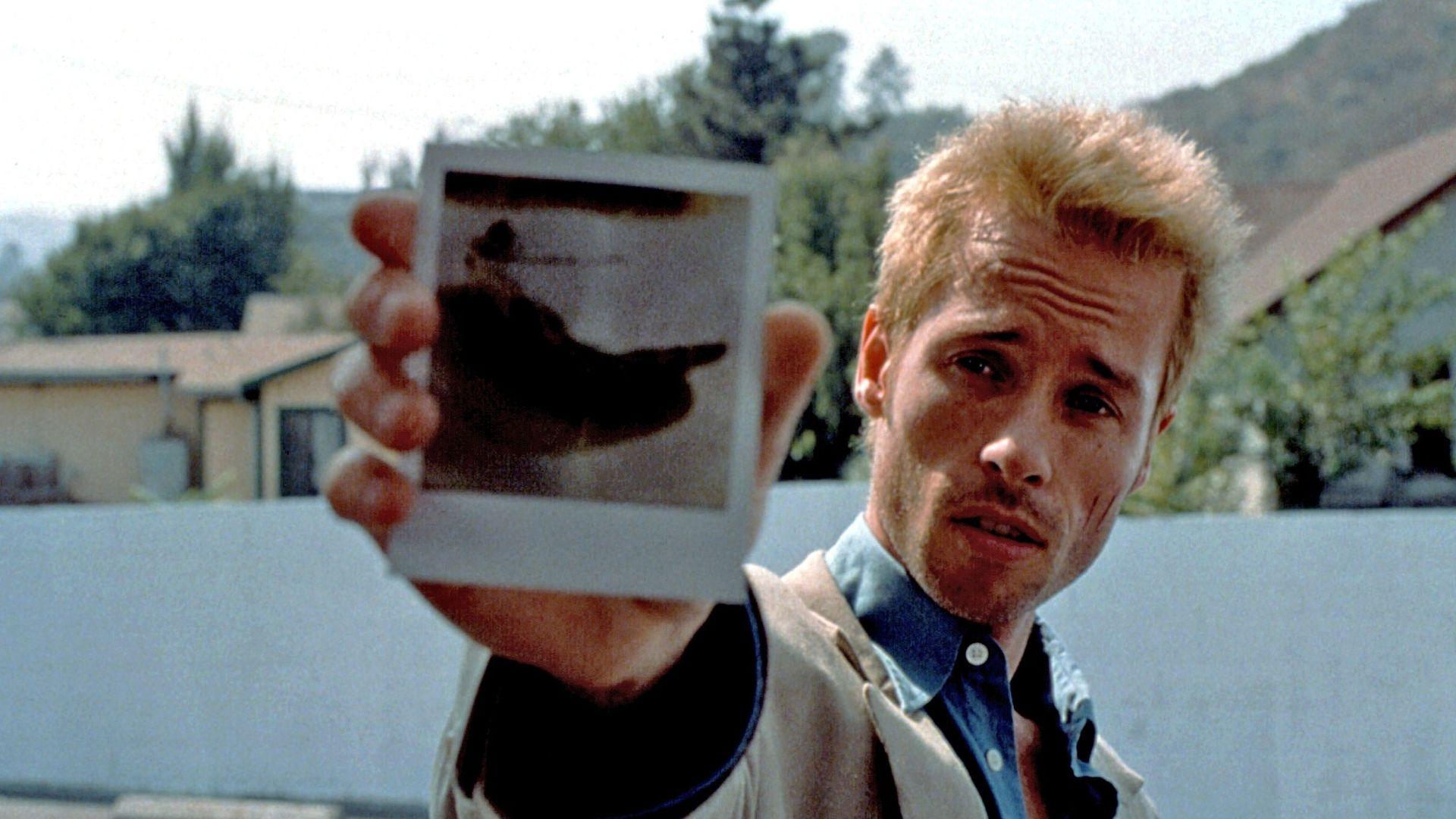 """Guy Pearce in """"Memento."""""""