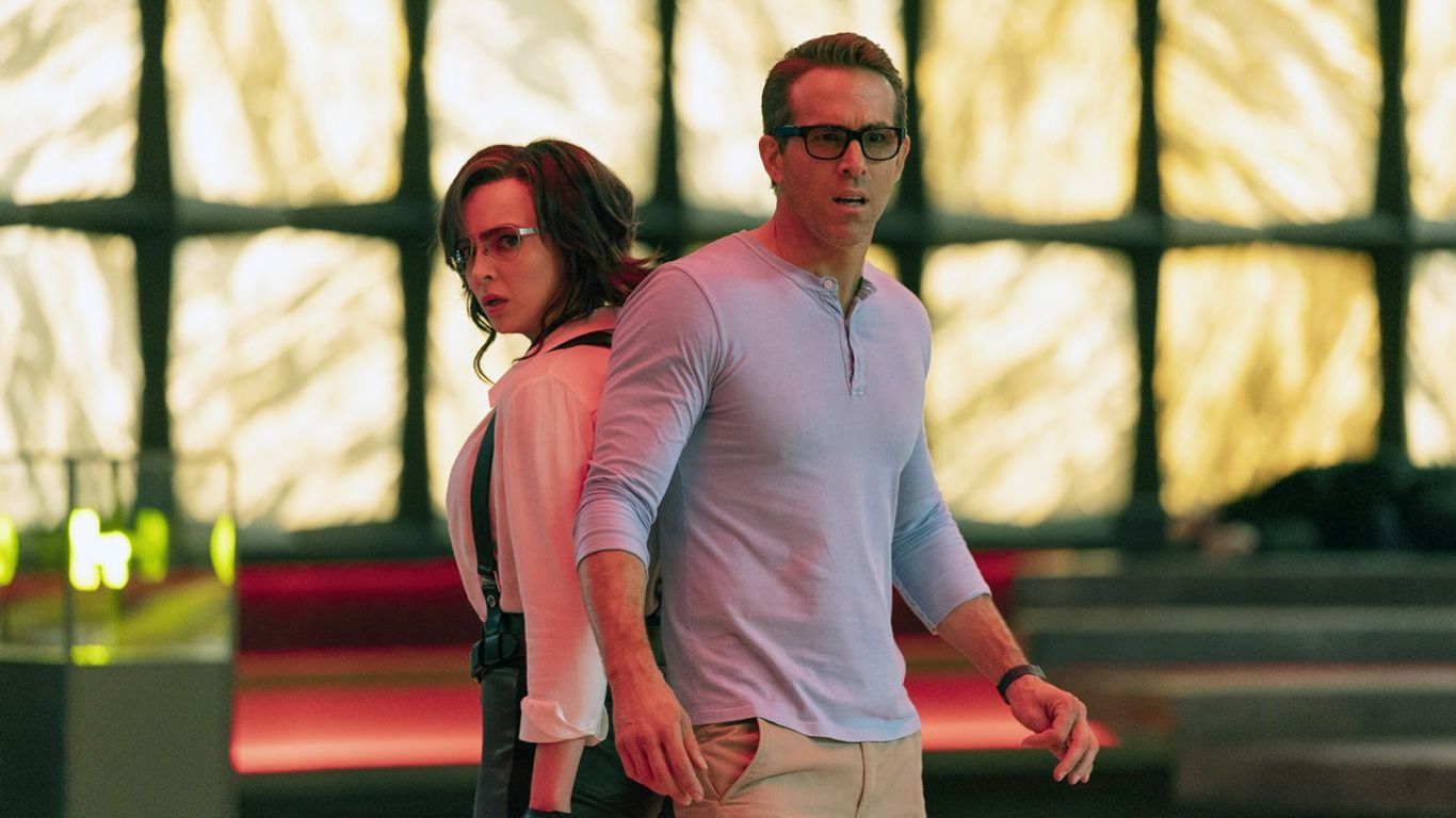 """Box Office - Jodie Comer and Ryan Reynolds in """"Free Guy"""""""