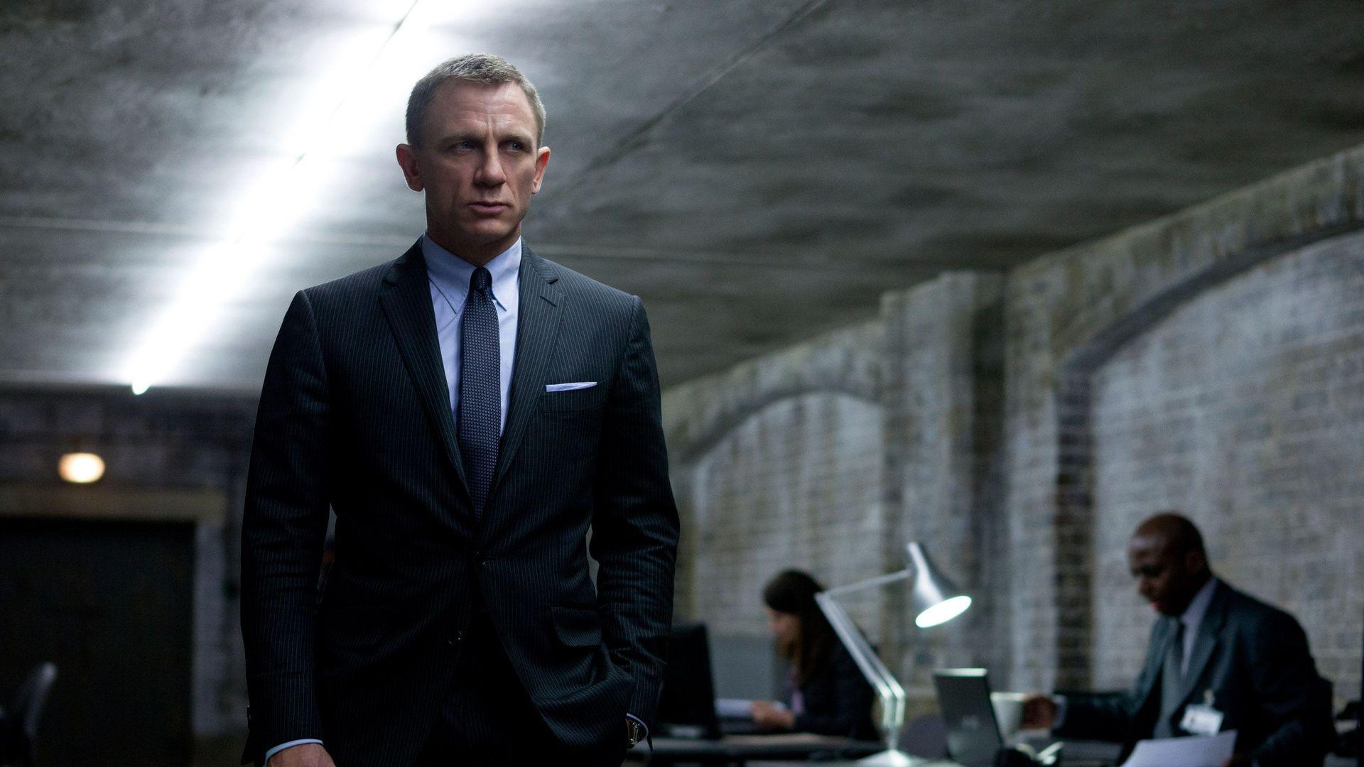 Best Bond Fashions Skyfall Tom Ford Suit