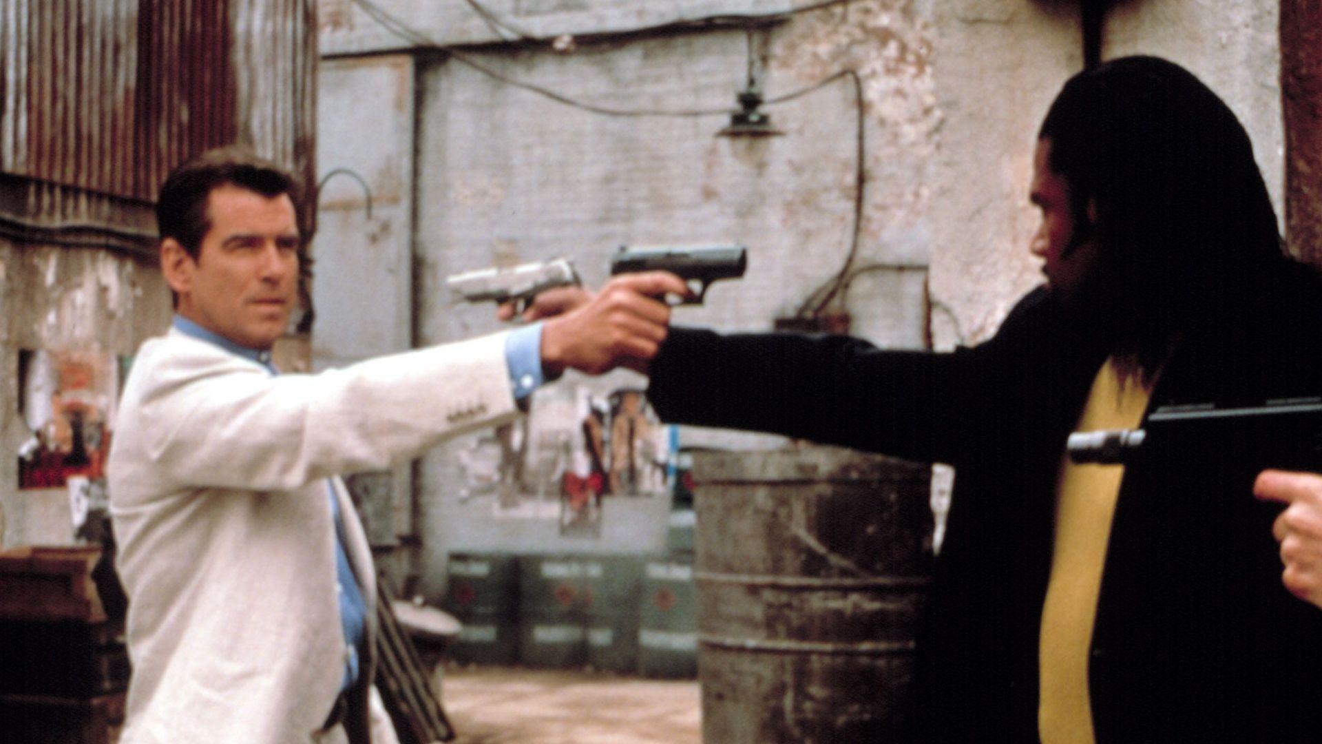 Best Bond Fashions The World Is Not Enough Cream Linen Suit